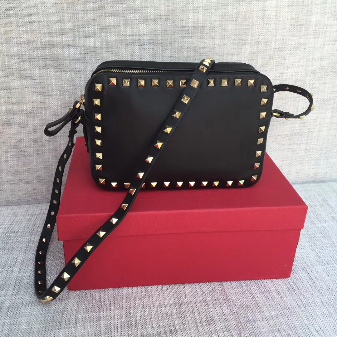 Valentino Garavani Rockstud Crossbody Bag 5526 Black